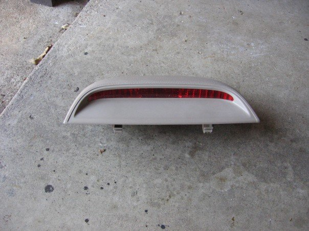 f995109d88b8e2da18041d830b869fc6  Painting Third Brake Light