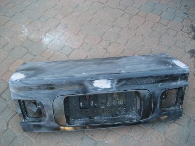 1ea940716cbfba79714956551ad151d7  Shaving emblem (using Fiberglass) and treating minor surface rusts