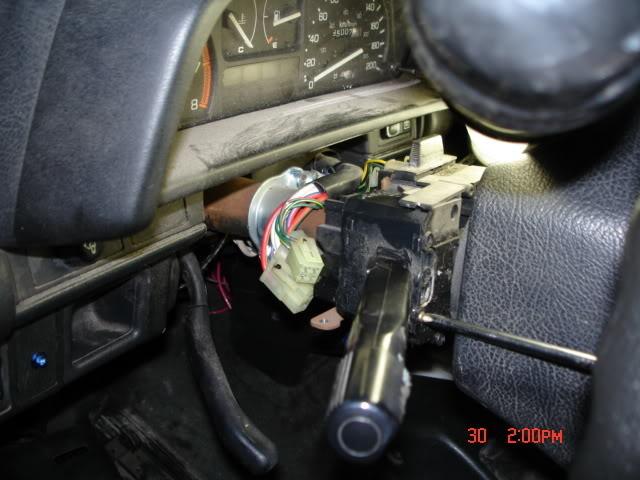 4fdeae8762f33fa7e6ca321016618d45  how to fix a broken signal arm 89 EF