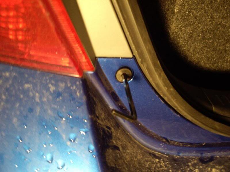 1f604d107f054212b7ef55c10e7a59bc  Taillight install