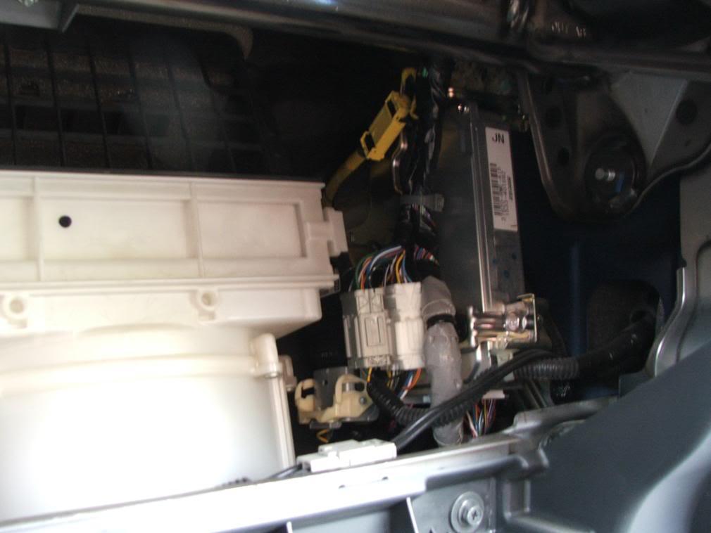 42da8774415092d236cf2d7bb6505996  Dust/Pollen Filter Replacement