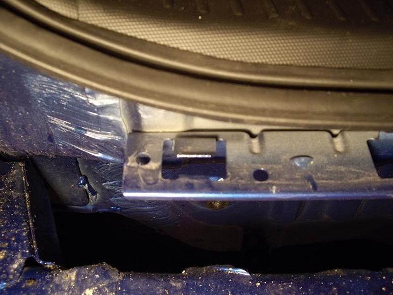 42ffac4689ea42ff25f5812d75f2fb7f  Taillight install