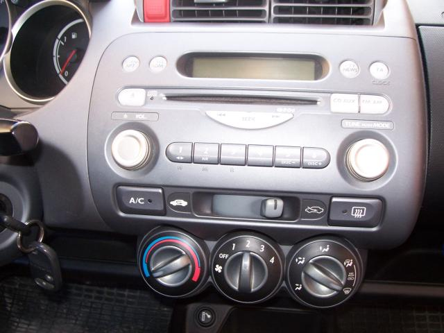 Adapter For Aux To Stereo Headphone Jack To Connect To Mp3 Player Or