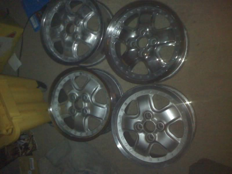 2bd1b5172631e0ecde673367be08a6f7  POLISH YOUR WHEELS!!!